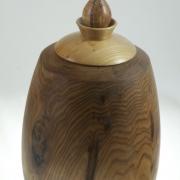 Wood cremation urn - #97a-Butternut 7.75 x 14.5po.
