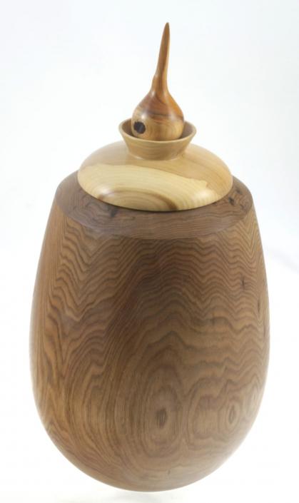 Wood cremation urn - #98a-Butternut 7.75 x 14.5po.