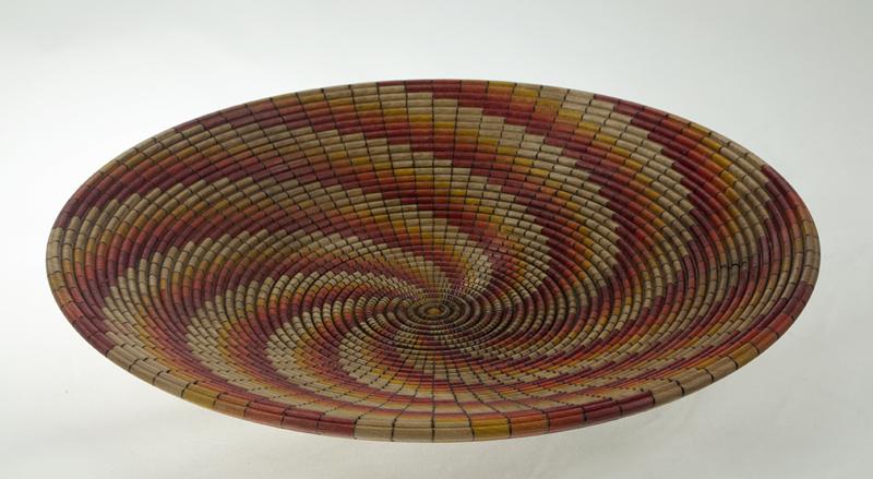 Basket illusion wood plate